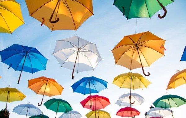 傘の臭いの原因と取り方
