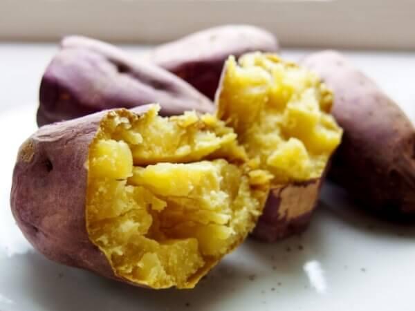 好きな焼き芋はねっとり派?ほくほく派?おすすめの品種