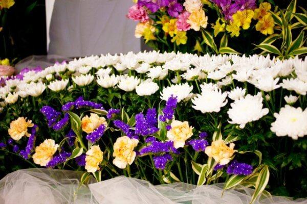 オンライン葬儀とは?費用や服装 香典はどうすればいい?